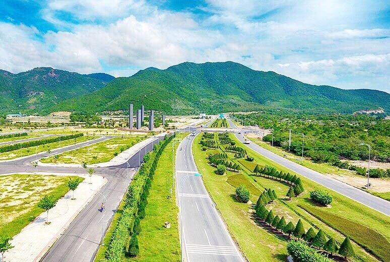 Đường Nguyễn Tất Thành Cam Ranh
