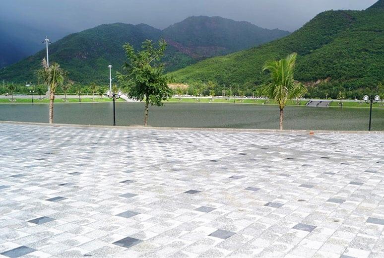 2 hồ danh vọng tạo cảnh quang và điều hào nhiệt độ toàn khu vực