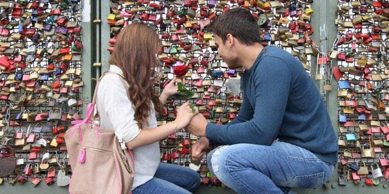 Cầu khóa tình yêu chứng nhân cho hạnh phúc lứa đôi